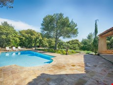 Photo 1 of Family-Friendly Villa Near Isle-sur-la-Sorgue in Provence