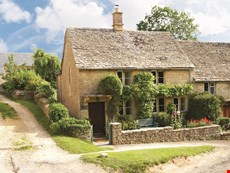 Photo of Charming and Romantic Cottage in the English Countryside