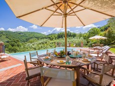 Photo 2 of Beautiful Hilltop Villa in Tuscany with Spectacular Views