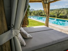 Photo 2 of Welcoming Tuscan Hillside Villa with Infinity Pool