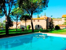 Photo 2 of Reviews of Apartment in Umbria on Large Estate with Two Pools