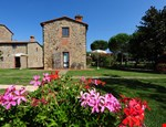 Photo of Farmhouse Rental on Tuscany-Umbria Border for Large Group