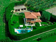 Photo 2 of Reviews of Spacious Family Villa in Tuscany with Private Pool