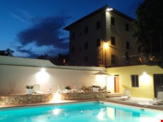 Photo 2 of Reviews of Beautiful Large Villa Close to Florence