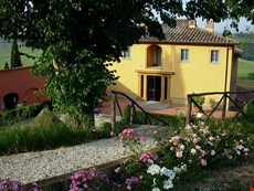 Photo 1 of Reviews of Pleasant Tuscan Apartment on Large Hillside Estate