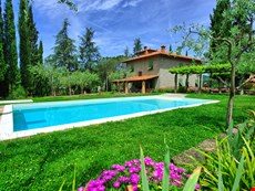 Photo 1 of Reviews of Large Villa with Pool Near Arezzo