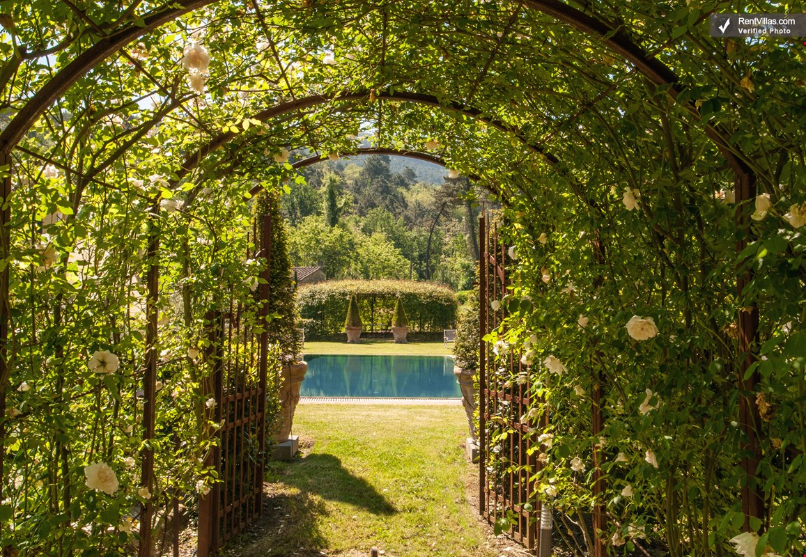 Photos Of Beautiful Tuscan Villa Near Lucca With Views And