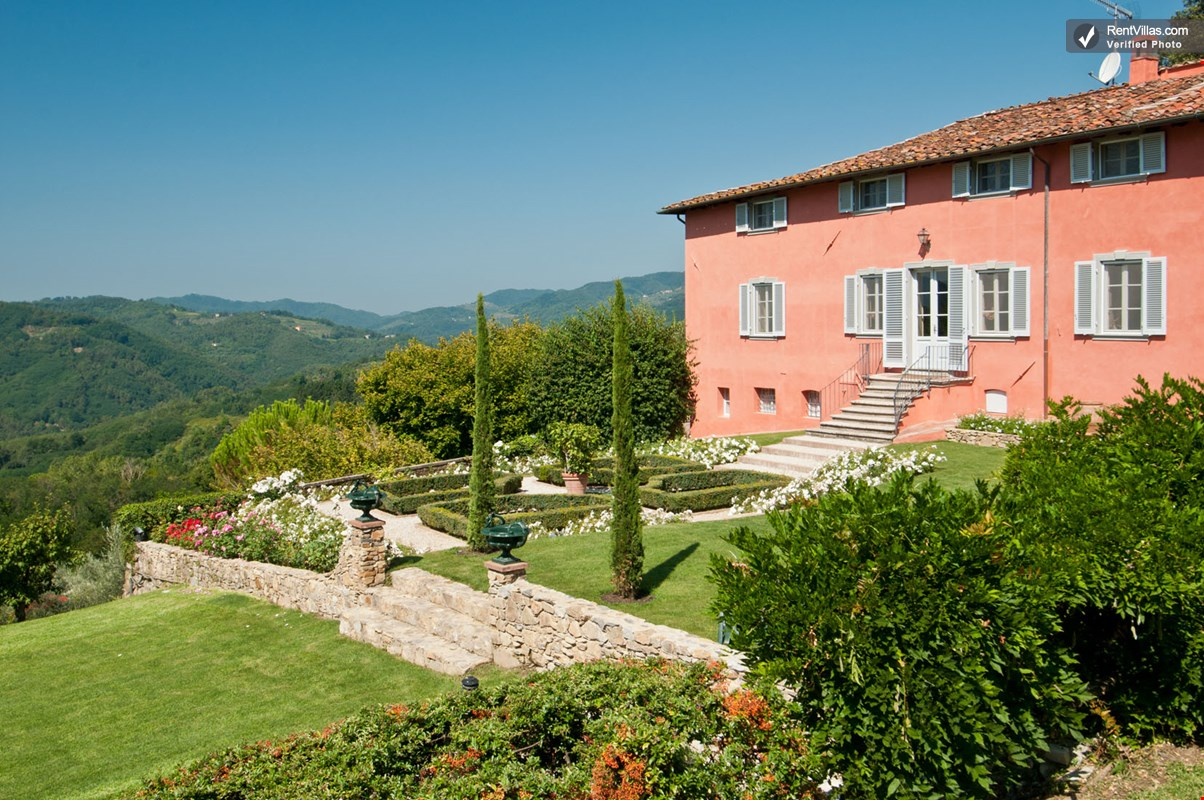 Photos Of Large Tuscany Villas With A Private Pool And Olive Groves