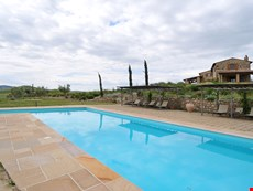 Photo 2 of Reviews of Tuscan Farmhouse with a Private Pool Near Spas