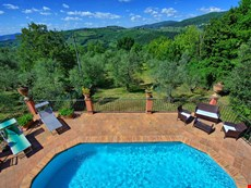 Photo 2 of Reviews of Tuscan Villa with a Private Pool in a Village