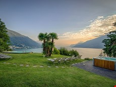 Photo 2 of Large villa with panoramic views of Lake Como