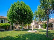 Photo of Beautiful Large Villa on Estate with Pool Near St Remy