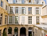 Photo of Elegant and Quiet Paris Apartment on the Left Bank