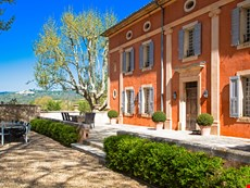 Photo of Family-Friendly Luberon Villa with Guest House