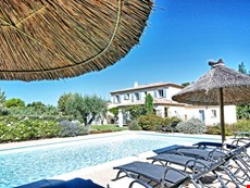 Photo 1 of Reviews of Family-Friendly Villa with Pool and Walking Distance to St Remy