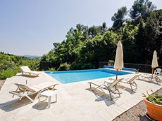 Photo 2 of Villa Rental with Private Pool in Provence
