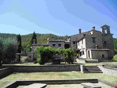 Photo 2 of Reviews of Historic Villa with Pool and Cottage in Umbria