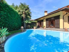 Photo of Family-Friendly Villa with Private Pool Near Lake Maggiore