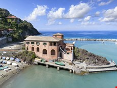 Photo of Beachfront Villa in a Charming Town on the Ligurian Coast