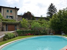 Photo 2 of Reviews of Tuscan Villa with Gardens and Pool for a Family