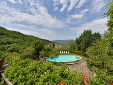 Photo of Tuscan Villa with Gardens and Pool for a Family