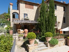 Photo 1 of Reviews of Country Villa in heart of Chianti centrally located close to regions' history, art, restaurants.