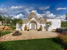 Photo 1 of Villa Rental in Puglia, Alberobello