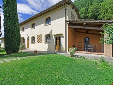 Photo of Tuscany Farmhouse Close to a Castle